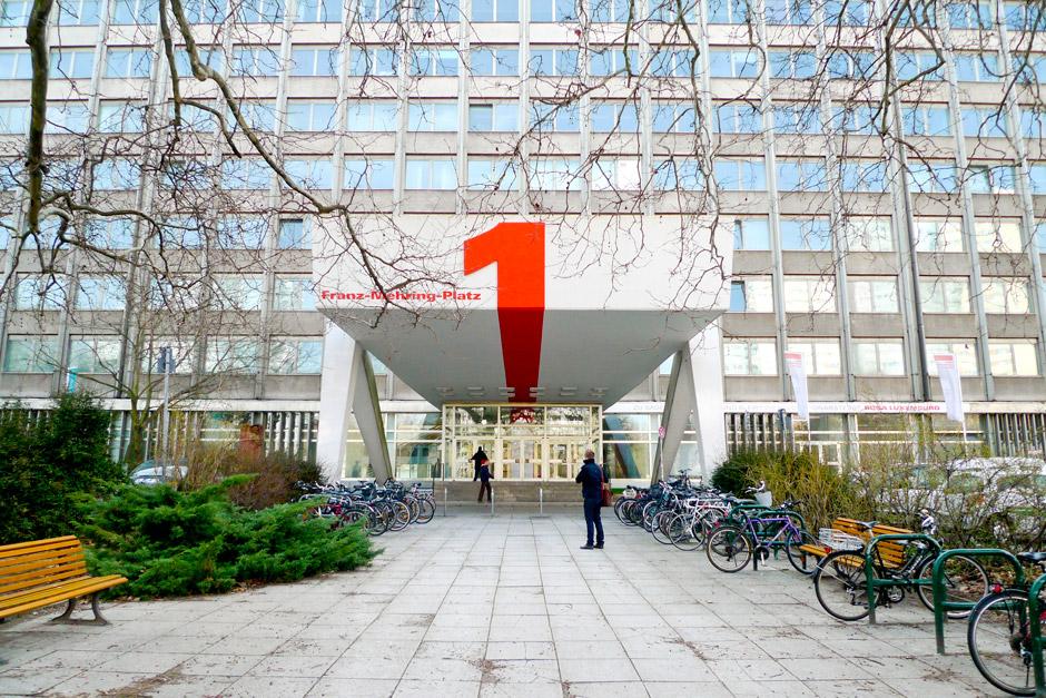 fmp1-informations-design-wegeleitsystem-personen-berlin-(5)