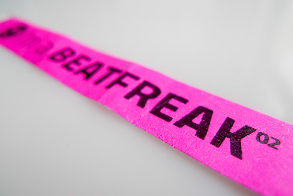 beatfreak-corporate-design-veranstaltung-berlin-logo-neon-guerilla-marketing-signet-(12)