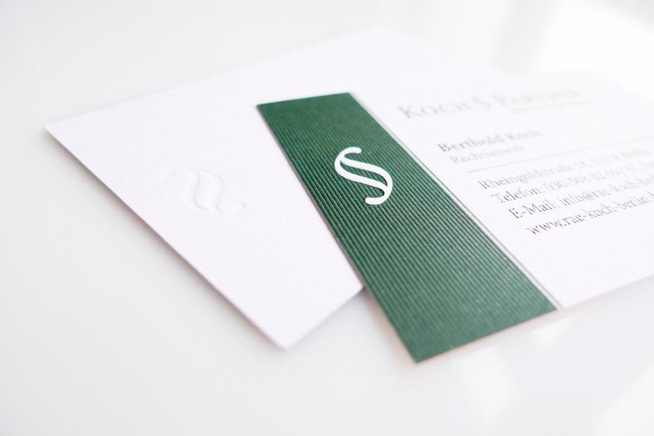 visitenkarten-gestaltung-berlin-prägung-naturpapier-tiefdruck-(1)