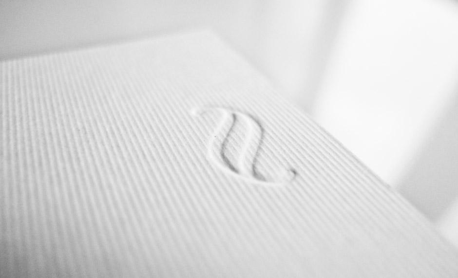 visitenkarten-gestaltung-berlin-prägung-naturpapier-tiefdruck-(2)