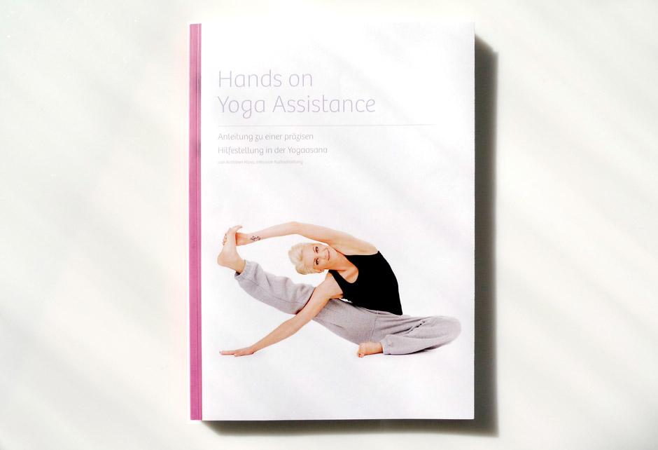 yoga-buchgestaltung-berlin-editorial-artwork-book-gestaltung