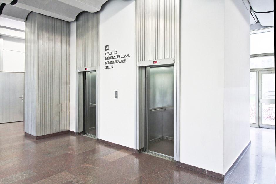 leitsystem-berlin-signage-gebäude-piktogramm-orientierungssystem-(1)