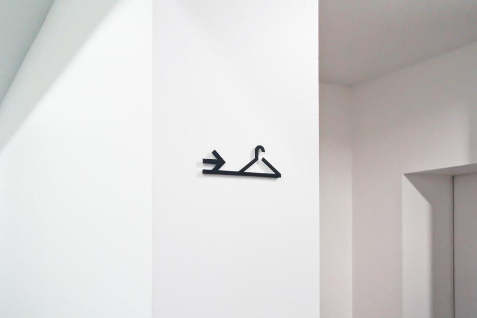 leitsystem-berlin-signage-gebäude-piktogramm-orientierungssystem-(16)