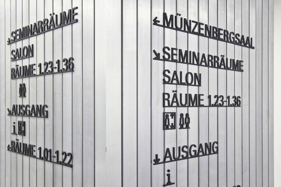 leitsystem-berlin-signage-gebäude-piktogramm-orientierungssystem-(4)