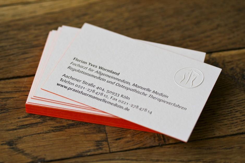 visitenkarte-tiefdruck-letterpress-farbschnitt-berlin-prägung-design